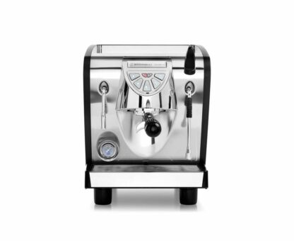 Ekspres ciśnieniowy kolbowy do kawy Nuova Simonelli Musica Lux - z bezpośrednim podłączeniem do wody