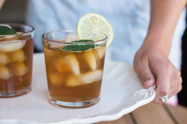 Przepis na mrozona herbate, czyli popularne ice tea