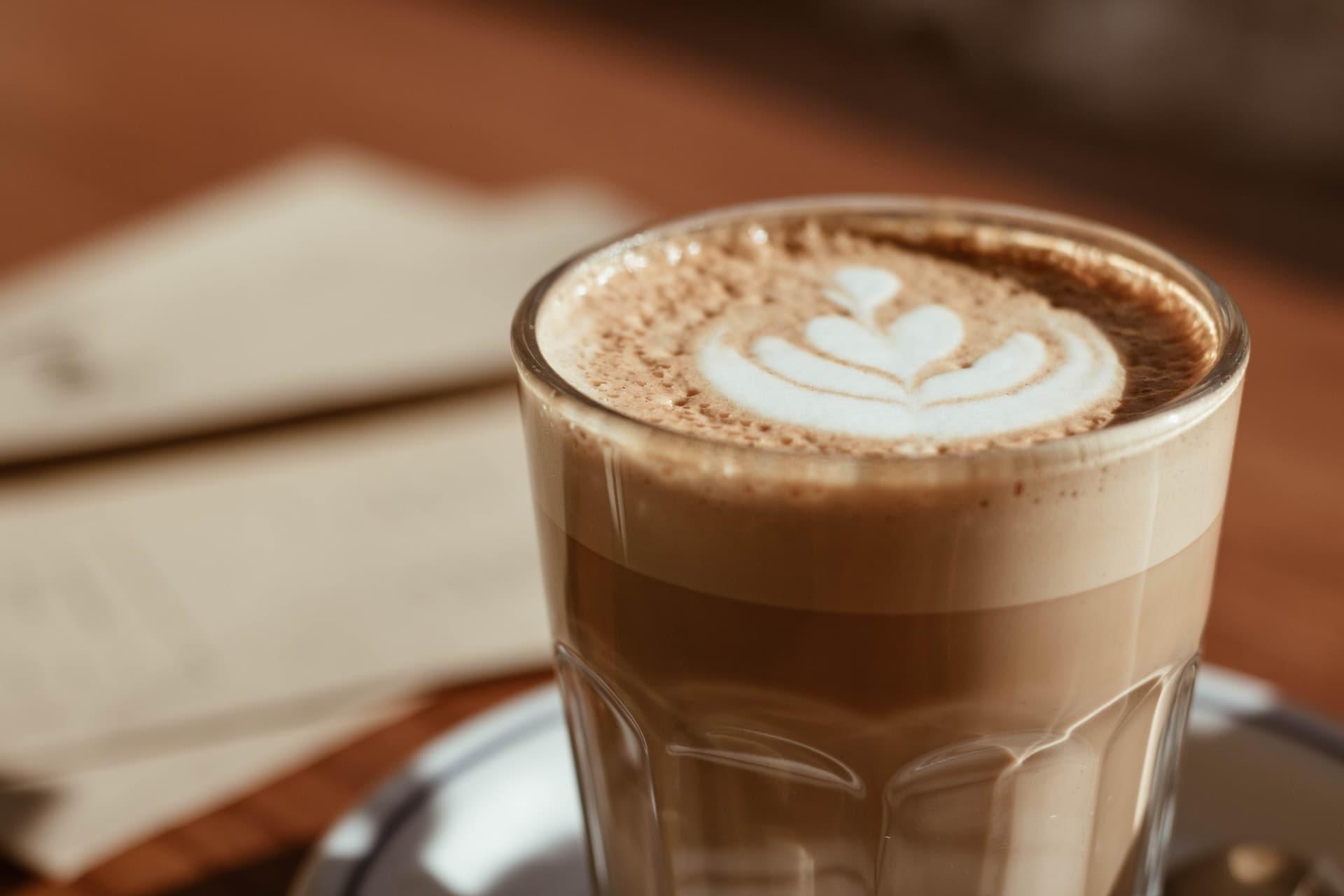 co to jest caffe latte jak zrobic i ile ma kalorii
