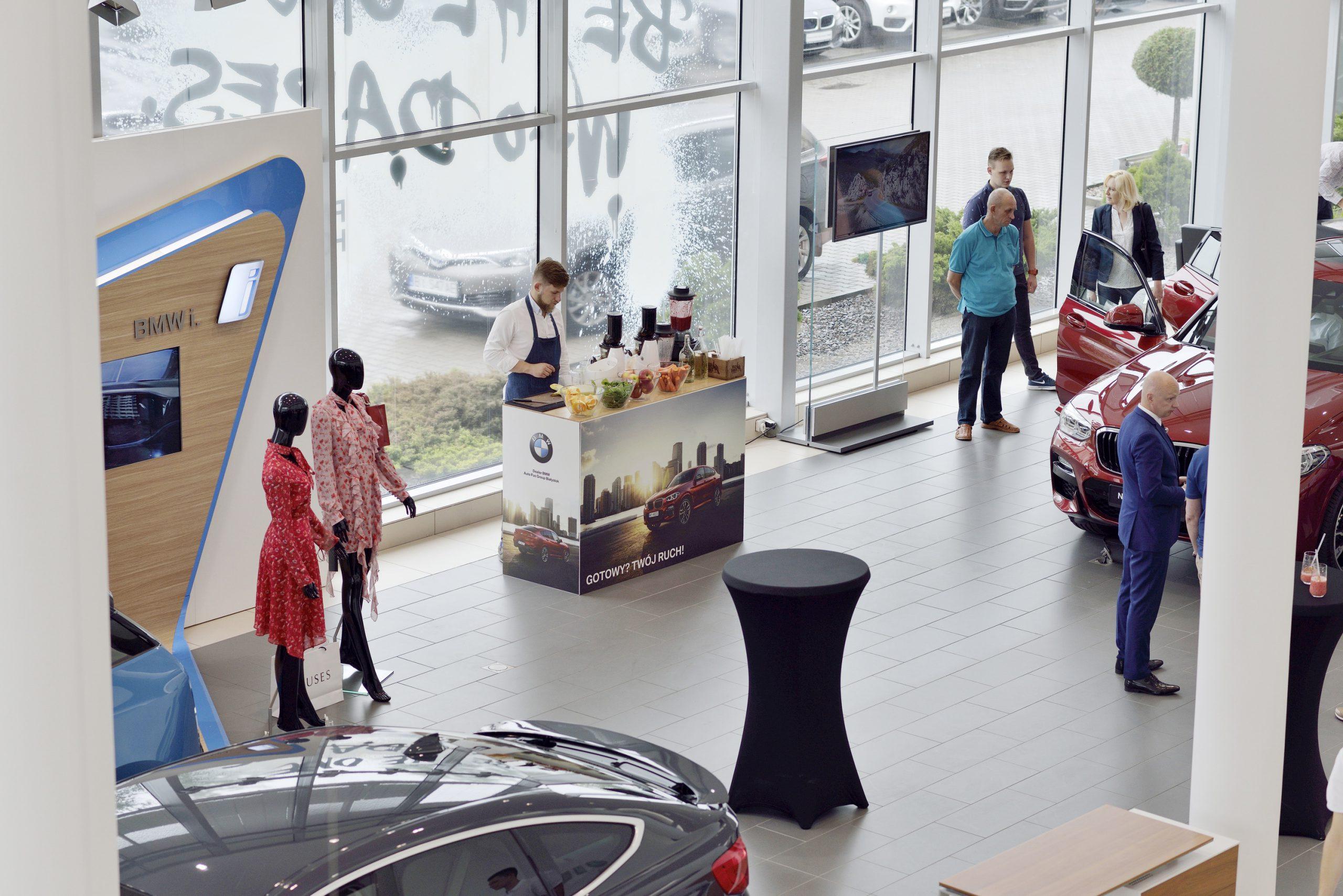event firmowy BMW z mobilnym barem