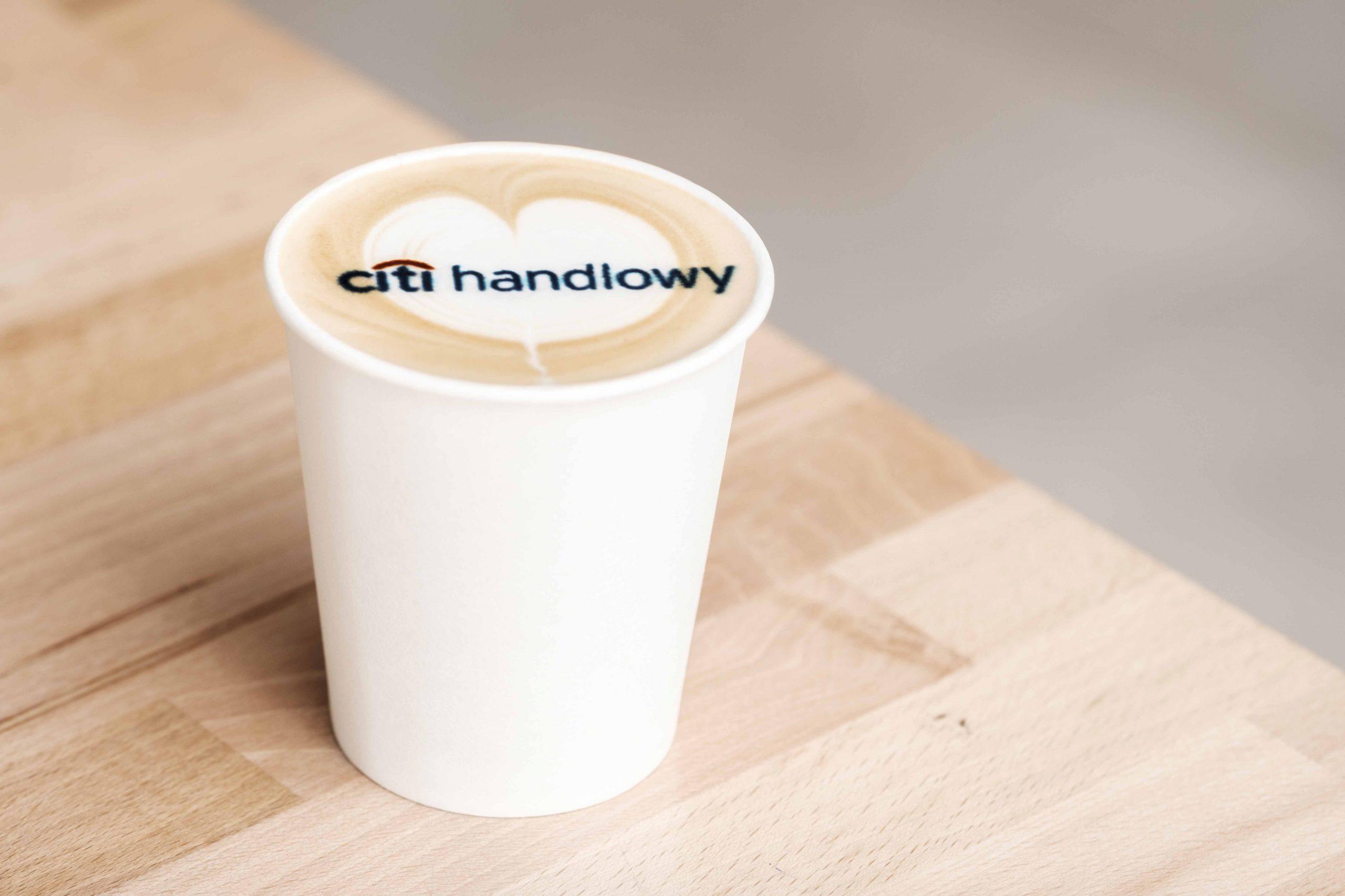 kawa z logo citi handlowy krakow