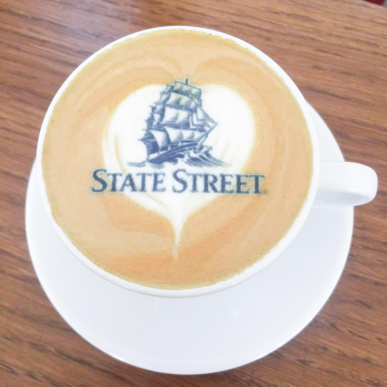 kawa z logo state street gdansk